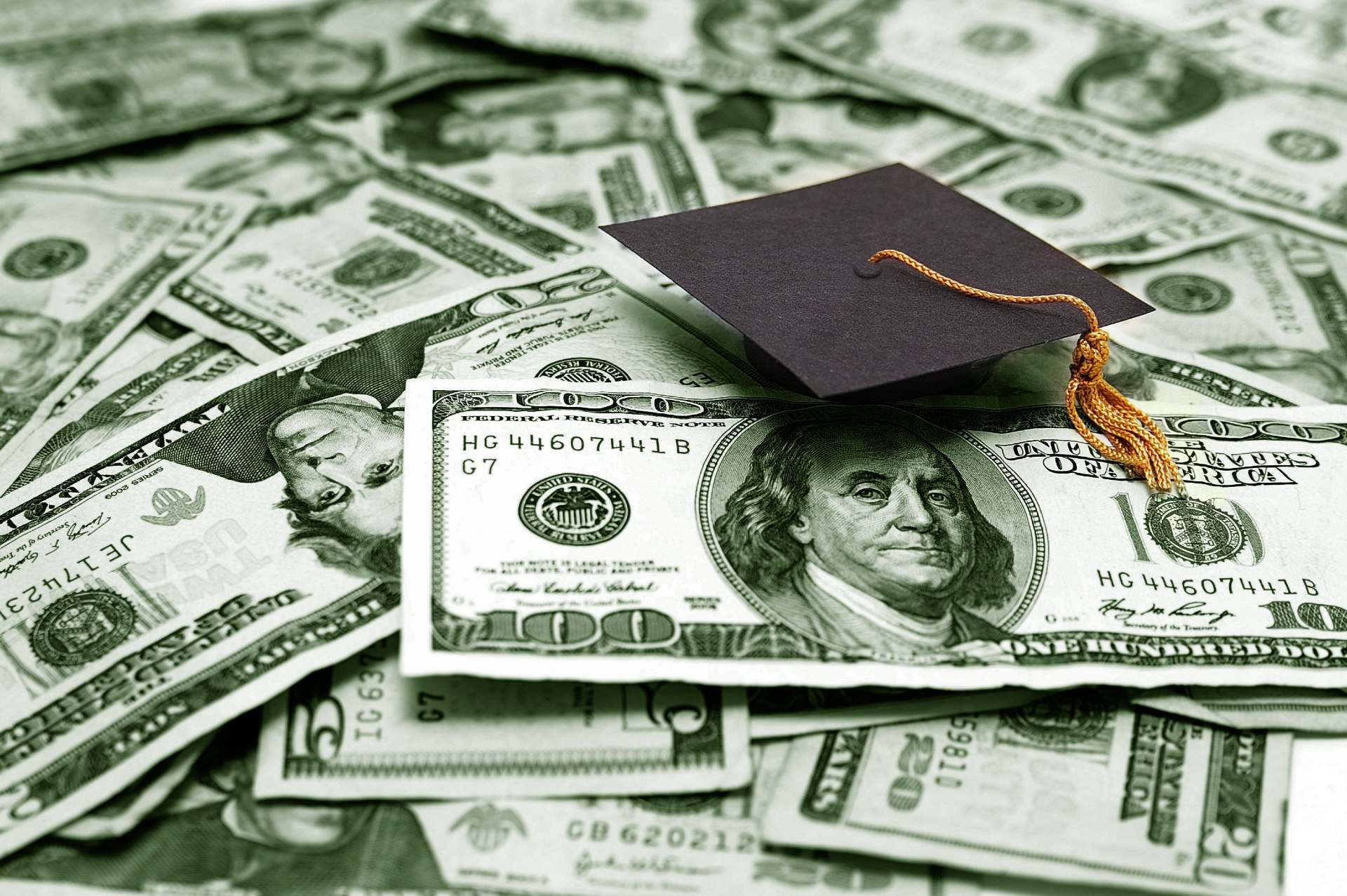 College can be pricey. Learn about the Nancy Etz Scholarship and several other scholarships for aspiring film students.