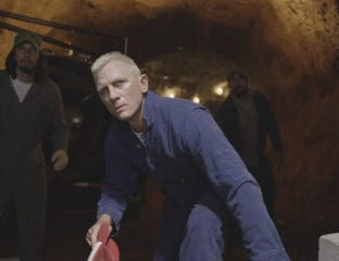 With help from his brother, sister, and an explosives expert, Jimmy Logan plans to steal $14 million from the Charlotte Motor Speedway in 'Logan Lucky'.