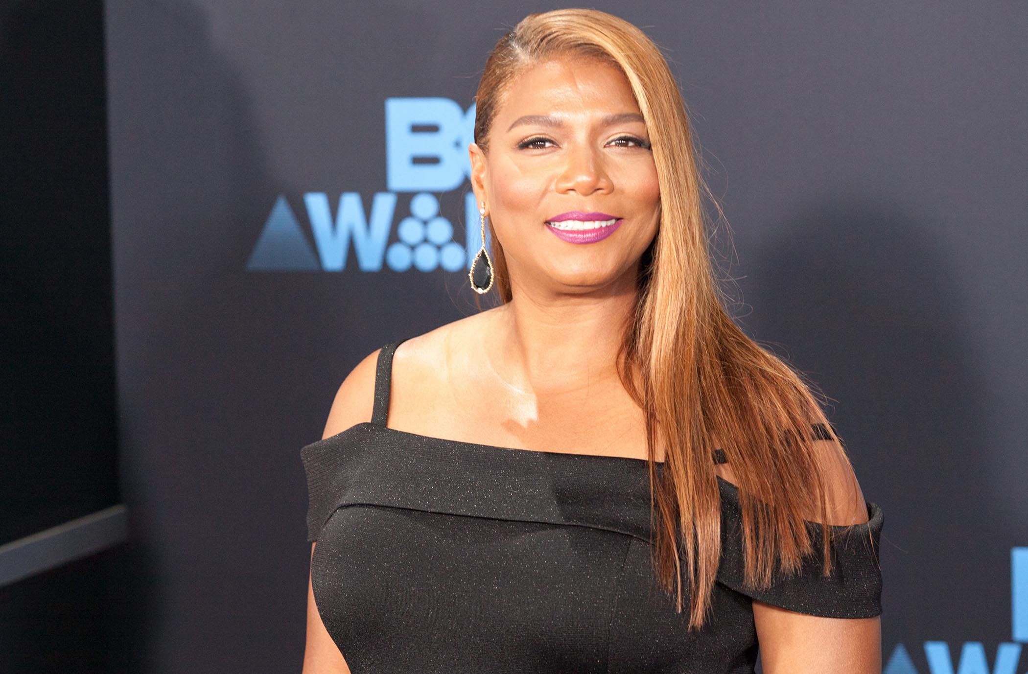 Whether in dramatic, musical, or comedic roles, Latifah has been laying down some iconic performances since the 90s. Here are ten of the times Queen Latifah slayed her performance, ranked from decent to crown worthy.