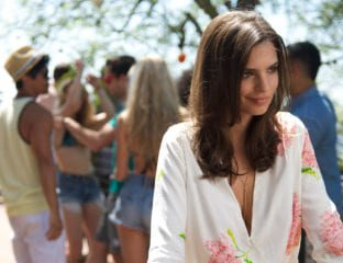 Despite throwing out some of the most aggressively dull performances of recent times, for some reason model-turned-actor Emily Ratajkowski has bagged herself another role in Anthony Byrne's forthcoming thriller 'In Darkness'.