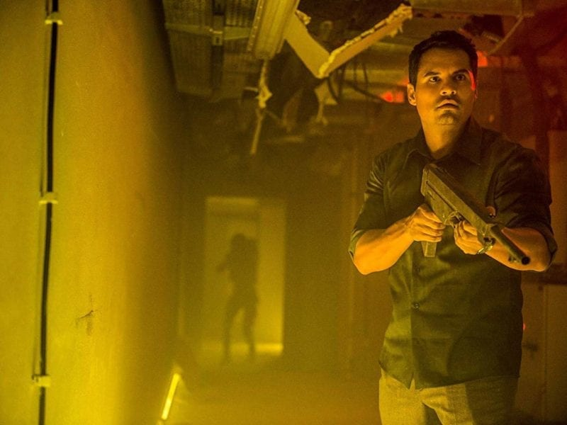 Australian Ben Young's 'Extinction' is a strong genre offering from Netflix and will appeal to aficionados who like their sci-fi horror a bit more grounded.