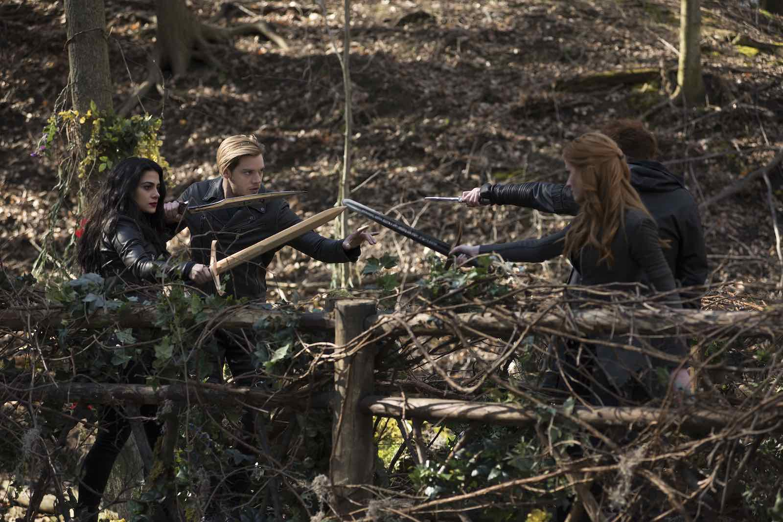 """With our tissues at the ready, we trepidatiously watched 'Shadowhunters' S3e20 """"City of Glass"""", and it was another doozy of an episode."""