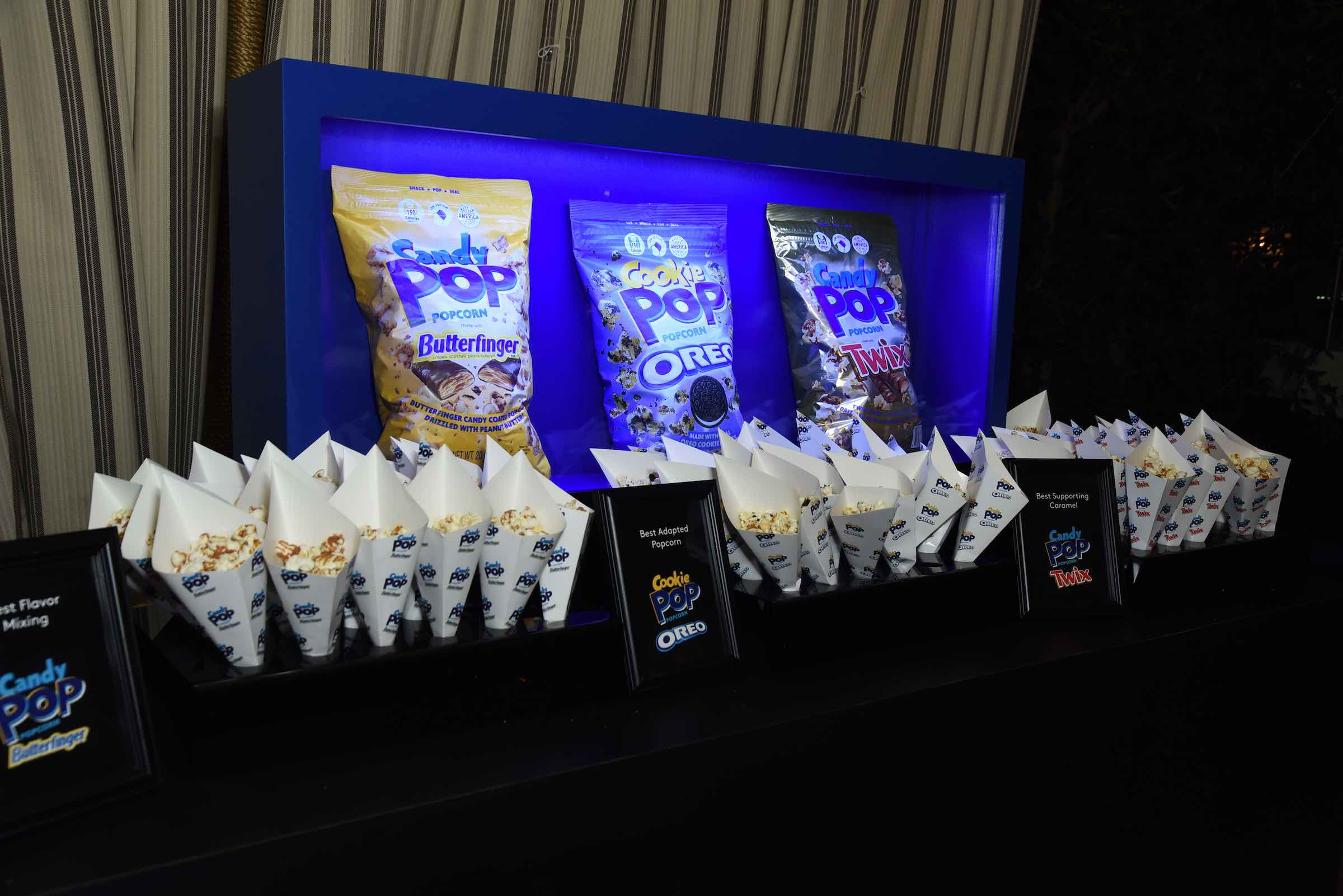 TThe Snack Pop Oreo Cookie Pop treats were too irresistible to pass up at the EW pre-SAG Awards party. SAG stars went popcorn crazy.