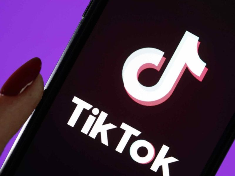 Since self-isolation and social distancing have become, let's experiment with new sources of entertainment and rediscover some forgotten gems, like TikTok.
